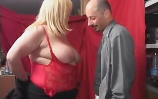 magrante - Mature gets double blowjob
