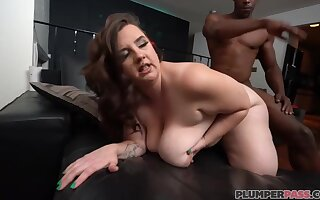 Marilyn White - Meeting Ms White - Brunette BBW with fat ass spanked in interracial
