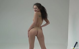 Solitary babe dazzles with naturalness and lust