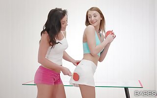 Slutty teen babe finally suited with warm cunnilingus from mommy