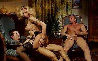 Die Teufels Nonne - busty blonde in retro threesome anal sex