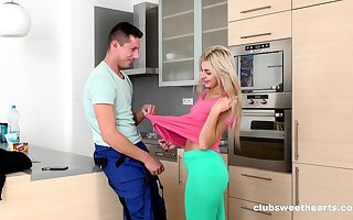 Tanned knockout lets horny plumber fuck her hard