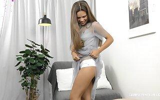 Sporty teen vixen Baby Shine masturbates with her favorite toy