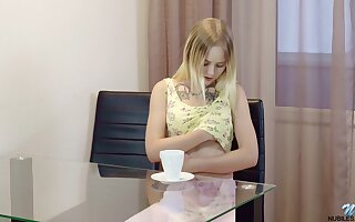 Chat up Emily Cutie is fingering shaved pussy which is full of lady juice